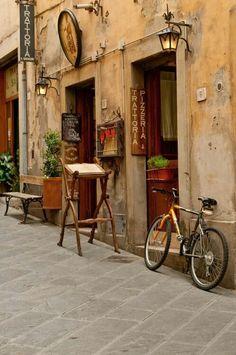 "Foto: Arezzo - Tuscany - Italy - ""Trattoria"""