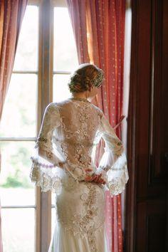 Claire Pettibone 'Viola' wedding gown & Fleur de Jour bolero http://www.clairepettibone.com/bridal/?cp=gowns/viola x @Kim @ {Twigs and Twirls} & Honey Headpiece Photo: Mirelle Carmichael Photography via @Elizabeth Lockhart Messina's 'A Lovely Workshop'