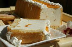 Prajitura cu iaurt si frisca   MiremircMiremirc Hungarian Recipes, Hungarian Food, Vanilla Cake, Feta, Cheesecake, Sweets, Cookies, Pastries, Blog