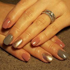 Nails grey mauve bronze