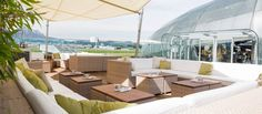 Sommerfeeling auf der Hangar-7 Outdoor Lounge | Salzburg - die schönste Sunset Bar im Sommer mit den Best Burgers ever !!! Coolest Outdoor Bar of Salzburg , right next to the Red Bull Hangar 7