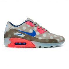 Search for crooked tongues at ASOS. Cheap Air Max 90, Air Max Sneakers, Sneakers Nike, Nike Wedges, Fitness Wear Women, Nike Runners, Nike Design, Nike Workout, Nike Leggings