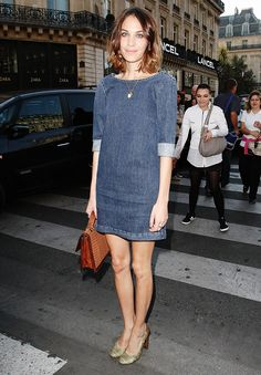 Alexa+Chung+Gets+Candid+with+Hillary+Kerr—See+the+Hilarious+Interview+via+@WhoWhatWear
