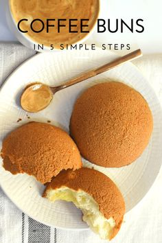 Coffee Buns are soft and fluffy buns topped with crispy coffee cookie crust.This coffee buns recipe is so easy that we can make them in five simple steps. Best Bread Recipe, Bread Recipes, Baking Recipes, Roti Bun Recipe, Just Desserts, Dessert Recipes, Baking Buns, Bread Baking, Coffee Bread