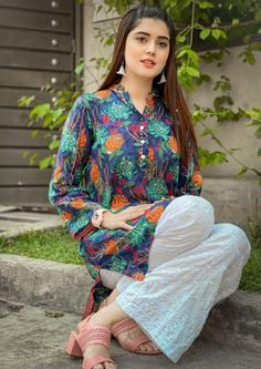 Beautiful Dress Designs, Stylish Dress Designs, Stylish Dresses, Pakistani Models, Pakistani Girl, Pakistani Actress, Pakistani Fashion Party Wear, Pakistani Outfits, Indian Designer Outfits