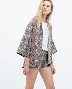 Chaquetas y Kimonos en Zara TRF, colección primavera verano 2015 En #Modalia | http://www.modalia.es/marcas/zara/7309-chaquetas-kimonos-zara-trf-verano-2015.html #tendencias2015 #zara #fashion