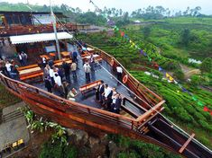 100 tempat wisata di Bandung akan kami sajikan lengkap kepada anda pada kesempatan kali ini. Bandung merupakan kota metropolitan terbesar …