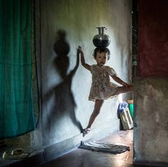 """20 Stunning Images Show India's """"Kingdom of Girls,"""" Where Girls Really Do Run the World"""