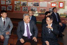 몽골대사관 성원들 조선혁명박물관 참관