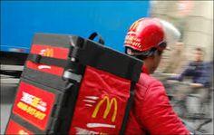 Thuisbezorging van de McDonald's #Thuisbezorging #McDonald's #eten #drinken