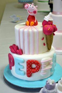 peppa pig - by donatellacakes72 @ CakesDecor.com - cake decorating website