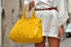 I like tunics and yellow purses ... a lot.... perfect combo
