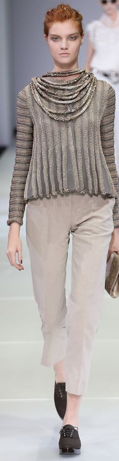 Giorgio Armani Collection Spring 2015 Love the top