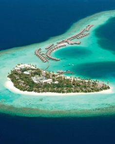 In the Maldives' North Ari Atoll, Constance Halaveli epitomizes the tropical island vacation. #Jetsetter