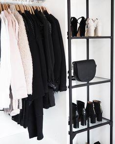 436 vind-ik-leuks, 28 reacties - Lisa Kouwenberg (@llittleblonde) op Instagram: 'Goodmorning! My little closetspace is finally coming together ✔️ #happy #closet'