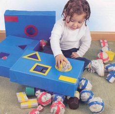 Gift for Children& Day? Make Cardboard Toys and Make Joy Heap! Toddler Learning Activities, Infant Activities, Infant Classroom, Puzzles For Toddlers, Montessori Baby, Baby Sensory, Kids Education, Early Childhood, Kids Playing