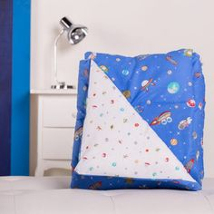 Acolchado reversible Estampado Espacio - Acolchado estampado Espacio compuesto por mezcla de algodón/poliéster.  El articulo no incluye fundas de almohadones Confort y estilo