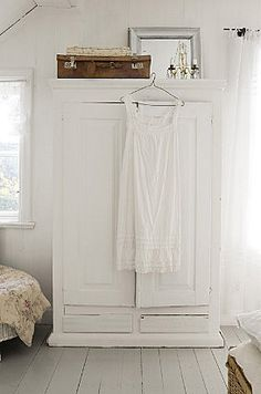 I have a white armoire and a suit case on top just like this! Chaise Vintage, Pretty Bedroom, White Cottage, Cottage Style, White Rooms, White Bedroom, Painted Floors, Vintage Shabby Chic, White Houses