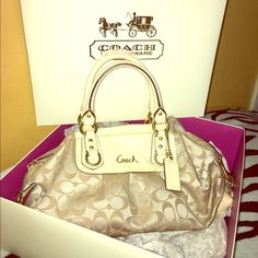 Authentic coach bag 100% authentic coach bag / light khaki-ivory/ (box included ) Feel free to make an offer.NO TRADING Coach Bags Shoulder Bags
