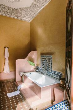 Morrocan Bathroom, Morrocan Interior, Morrocan Decor, Modern Bathroom, Moroccan Bedroom, Moroccan Lanterns, Morrocan House, Modern Moroccan Decor, Slate Bathroom