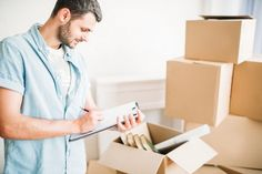 The best removals company in Preston will be fully insured. Choose a company that is insured so that you stay safe. An insured company can cover all the damages and unlikely events. Movers Nyc, Best Movers, Can Plan, How To Plan, Storage Facility, Packers And Movers, Moving Services, Physically And Mentally, Stress Free