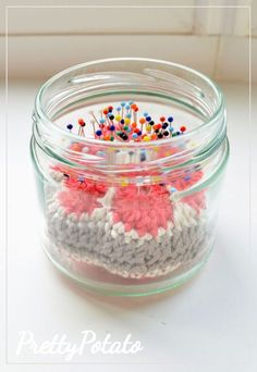 Pincushion in a Jar: A great beginner project using the hexagonal african flower granny square and yarn scraps