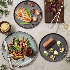 På udkig efter en lækker takeaway-menu til nytår? @restaurantlele har er ganske godt bud  - du finder snart en komplet guide på bloggen #kammusling #oksemørbrad #chokoladeganache #kransekage #kbh #cph #restaurant #lelecatering #foodie #foodstagram #vietnamese #instagram