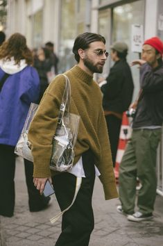 casual mens fashion that look cool 836932 Fashion Week Paris, Winter Fashion, Mens Fashion Week, Street Fashion Men, Womens Fashion, Look Fashion, Fashion News, Fashion Outfits, Fashion Trends
