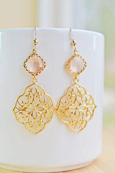 Peach Oriental Floral Earrings $22 via www.mintpeachboutique.etsy.com #jewelry #fashion #handmade
