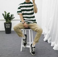 Super sneakers fashion jeans style Ideas Source by fashion Korean Fashion Men, Boy Fashion, Fashion Ideas, Street Fashion, Womens Fashion, Boujee Outfits, Cochella Outfits, Stylish Outfits, Vetement Fashion