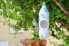 CamomilaRosa e Alecrim: Comedouro para pássaros com garrafas pet...