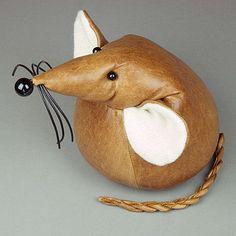 Ручной Монти Гигантская Мышь