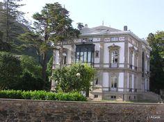 Luarca, Asturias Country Houses, Villas, Indiana, Europe, Exterior, House Design, House Styles, Building, Travel
