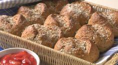 Rundstykker Norwegian Food, French Toast, Muffin, Baking, Breakfast, Recipes, Breads, Morning Coffee, Bread Rolls
