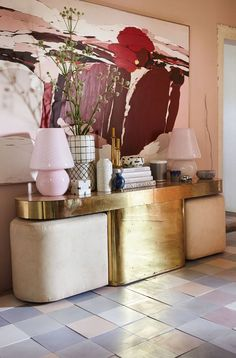 Vintage Interior Design Burgundy peach blush artwork with gold vintage console table - At what point does a trend just become something you really love? I'm talking all about my feelings on blush pink and how I'm not ready to let go of it yet! Contemporary Interior Design, Decor Interior Design, Interior Styling, Interior Decorating, Interior Colors, Interior Livingroom, Bathroom Interior, Modern Design, Decorating Ideas