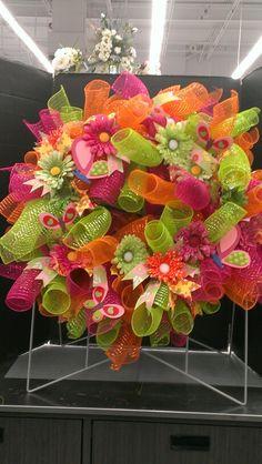 Curly Summer Mesh Wreath...Robin Evans
