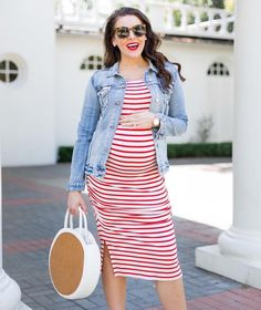 Umstandsmode: Von Hosen und Kleidern – Tipps und Tricks Maternity wear should not just fit: With these tips, you'll feel well and well in pregnancy! Maternity Midi Dress, Maternity Fashion, Pregnancy Fashion, Maternity Style, Cheap Boutique Clothing, Pregnancy Looks, Pregnancy Style, Future Fashion, Mode Style