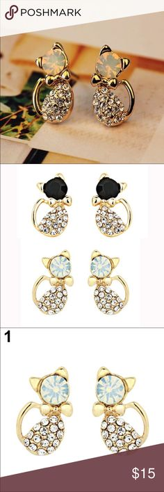 Gorgeous!! Gorgeous!!! Cute Cat Black and White Crystal Rhinestones Stud Earrings. Alloy material. Jewelry Earrings