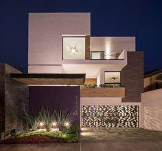 Fachada frontal: Casas de estilo Minimalista por URBN