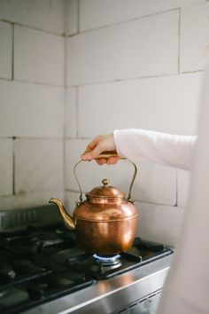 Slow living: kettle for tea or coffee Hygge, Modern Hepburn, Slow Living, Humble Abode, Home Design, Cool Stuff, Home Kitchens, Kitchen Dining, Copper Kitchen