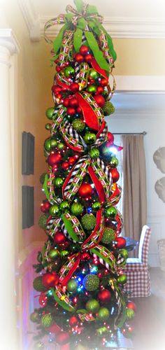 Trendy Farmhouse Christmas Tree Pencil Ideas - New Ideas Skinny Christmas Tree, Pencil Christmas Tree, Ribbon On Christmas Tree, Christmas Tree Themes, Rustic Christmas, Xmas Tree, Christmas Tree Decorations, Christmas Holidays, Christmas Topiary