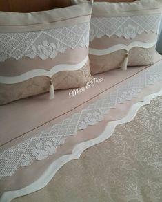 Diy Pillows, Sofa Pillows, Cushions, Sheet Curtains, Crochet Decoration, Ornaments Design, Filet Crochet, Bed Covers, Home Textile
