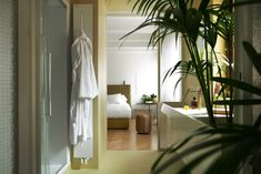 Casa Flora: A Boutique Apartment That Makes You Feel like a Resident of Venice - Design Milk Journal Du Design, Hotel Room Design, Hotel Interiors, Holiday Apartments, Large Homes, Apartment Design, Custom Furniture, A Boutique, Boutique Design