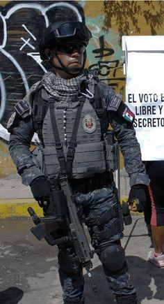 Mexican Federal police.