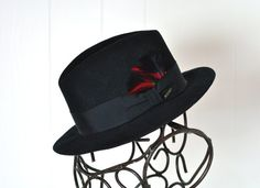 Black Wool Stetson Fedora Made in USA Mens Unises Hat Dapper Gentleman Red  Feather Size Large 7 3 8 e5b9dfc75f71