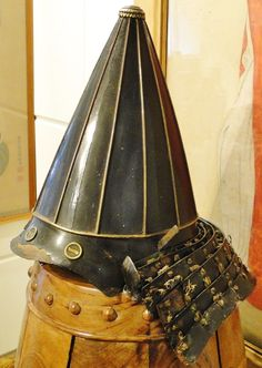 Armor-helmet-wooden-stand-black-wooden-stand-for-display-post-for-helmet-s Elegant And Sturdy Package Diving Helmets Antiques