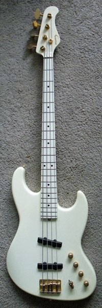 From Watt's Collection - 1997 moon jj-4-240b (larry graham model)
