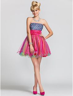 A-line/Princess Strapless Short/Mini Satin And Tulle Cocktail Dress With Beading
