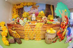 Festa Ursinho Pooh Winnie The Pooh Birthday, Disney Winnie The Pooh, 1st Boy Birthday, Boy Birthday Parties, Baby Disney, Free Baby Shower Printables, Happy 1st Birthdays, Toddler Dolls, Dream Catcher