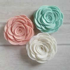 New perfect patel colored wool felt roses. Soon in my Etsy store for hair accessories and flower brooches.  DusiHairAccessories.Etsy.com  .  .  .  #feltflowers #feltroses #pastelrose #woolfeltflowers #woolfelt #roseheadband #rosebrooch #rosehairclip #dusicrafts #dusi #DusiHairAccessories